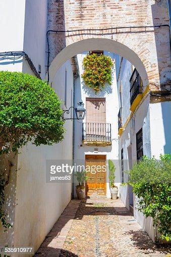 Calles decoradas con bows barreada windows típico de la ciudad : Foto de stock