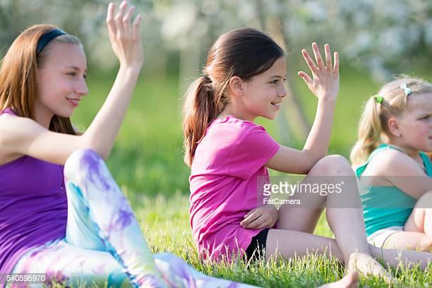 Dehnung zusammen im Yoga