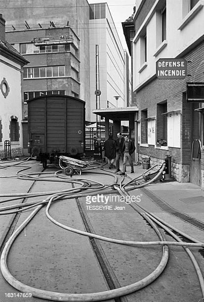 Strike At The Berliet Automobiles Factory France 23 mars 1967 Manifestation des ouvriers de l'usine Berliet un constructeur automobile français...
