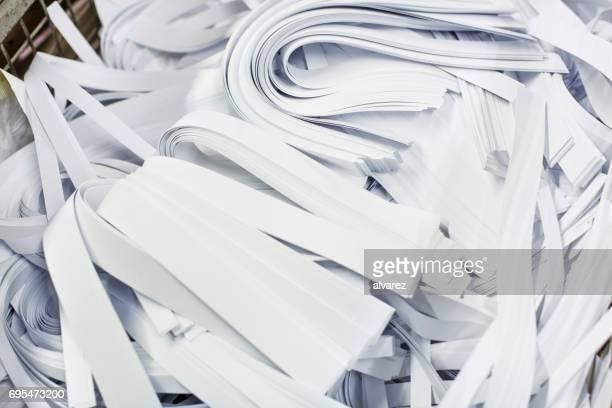 Bandes de papier après la coupe