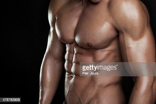 Fuerte Athletic hombre Fitness modelo Torso mostrando seis de abs. : Foto de stock