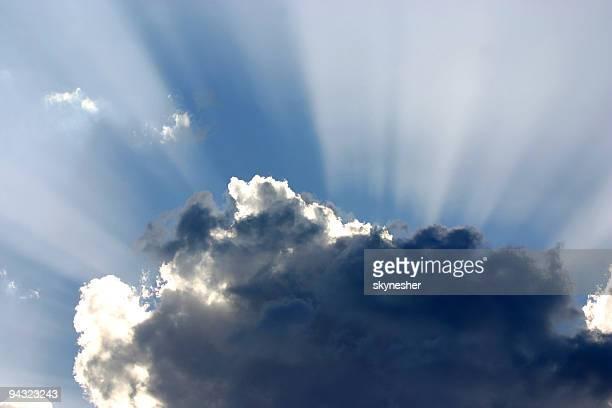 Forte luce da cloud
