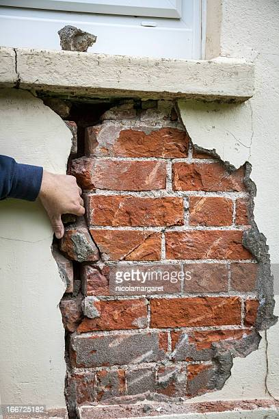 Structural problem: crack in wall