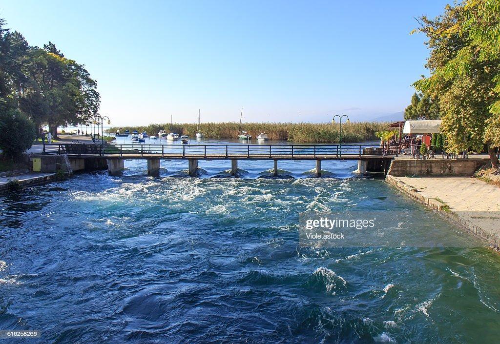 Struga, Drim river, Ohrid lake, FYRM (Macedonia) : Foto de stock