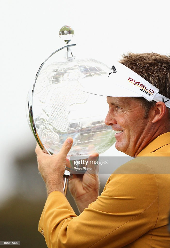 Stuart Appleby poses with the trophy after winning the Australian Masters at The Victoria Golf Club on November 14, 2010 in Melbourne, Australia.