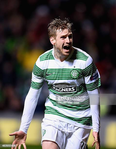 Stuart Armstrong of Celtic celebrates during the UEFA Europa League Round of 32 match between Celtic FC and FC Internazionale Milano at Celtic Park...