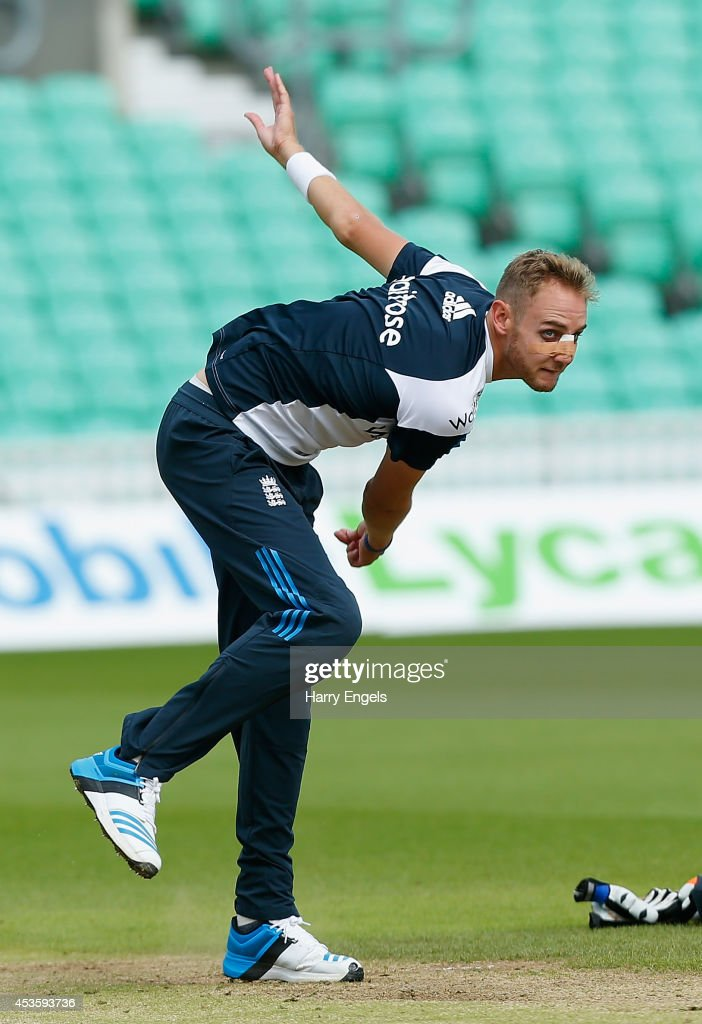 <a gi-track='captionPersonalityLinkClicked' href=/galleries/search?phrase=Stuart+Broad&family=editorial&specificpeople=574360 ng-click='$event.stopPropagation()'>Stuart Broad</a> bowls during an England Nets Session at The Kia Oval on August 14, 2014 in London, England.