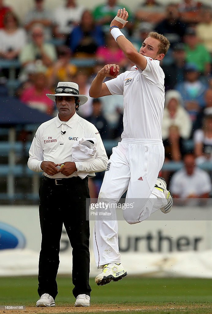 <a gi-track='captionPersonalityLinkClicked' href=/galleries/search?phrase=Stuart+Broad&family=editorial&specificpeople=574360 ng-click='$event.stopPropagation()'>Stuart Broad</a> of England bowls during day four of the second Test match between New Zealand and England at Basin Reserve on March 17, 2013 in Wellington, New Zealand.