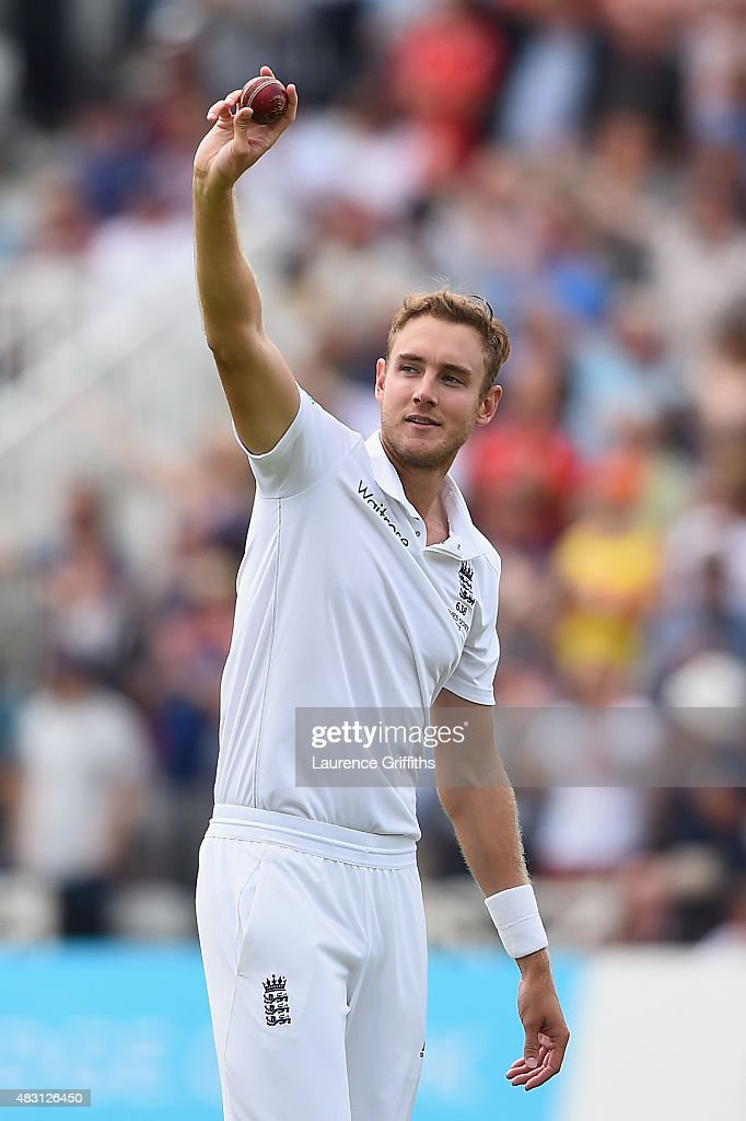 <a gi-track='captionPersonalityLinkClicked' href=/galleries/search?phrase=Stuart+Broad&family=editorial&specificpeople=574360 ng-click='$event.stopPropagation()'>Stuart Broad</a> of England celebrates taking his fifth wicket that of Michael Clarke of Australia during day one of the 4th Investec Ashes Test match between England and Australia at Trent Bridge on August 6, 2015 in Nottingham, United Kingdom.
