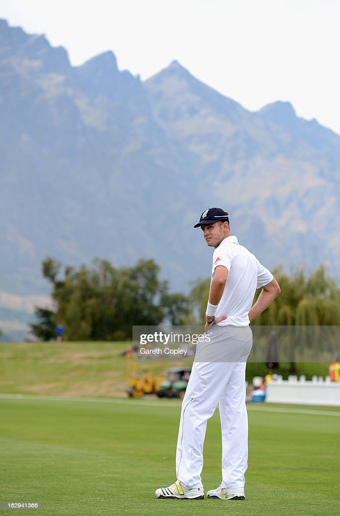 <a gi-track='captionPersonalityLinkClicked' href=/galleries/search?phrase=Stuart+Broad&family=editorial&specificpeople=574360 ng-click='$event.stopPropagation()'>Stuart Broad</a> of England during day four of the International Tour Match between the New Zealand XI and England at Queenstown Events Centre on March 2, 2013 in Queenstown, New Zealand.