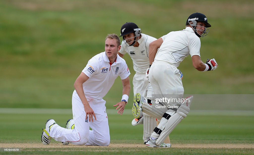 <a gi-track='captionPersonalityLinkClicked' href=/galleries/search?phrase=Stuart+Broad&family=editorial&specificpeople=574360 ng-click='$event.stopPropagation()'>Stuart Broad</a> of England falls over as <a gi-track='captionPersonalityLinkClicked' href=/galleries/search?phrase=BJ+Watling&family=editorial&specificpeople=2115739 ng-click='$event.stopPropagation()'>BJ Watling</a> and Jimmy Neesham of a New Zealand XI score runs during day four of the International Tour Match between the New Zealand XI and England at Queenstown Events Centre on March 2, 2013 in Queenstown, New Zealand.