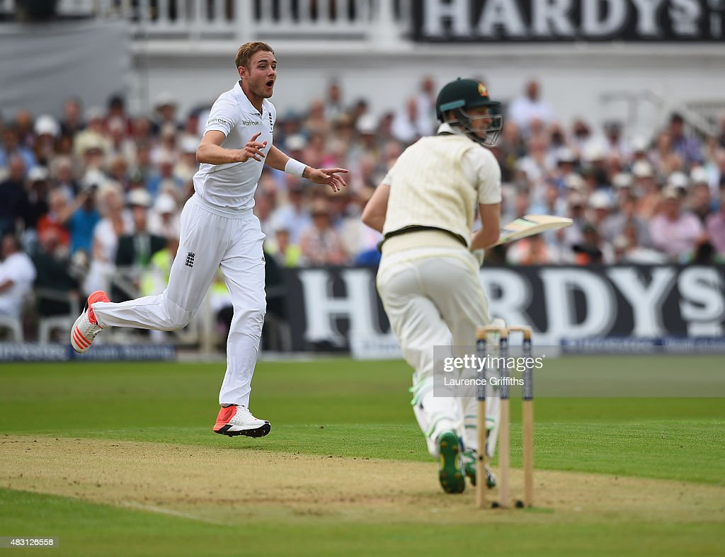 <a gi-track='captionPersonalityLinkClicked' href=/galleries/search?phrase=Stuart+Broad&family=editorial&specificpeople=574360 ng-click='$event.stopPropagation()'>Stuart Broad</a> of England looks on in disbelief at Ben Stokes after his amazing catch to dismiss <a gi-track='captionPersonalityLinkClicked' href=/galleries/search?phrase=Adam+Voges&family=editorial&specificpeople=724770 ng-click='$event.stopPropagation()'>Adam Voges</a> of Australia during day one of the 4th Investec Ashes Test match between England and Australia at Trent Bridge on August 6, 2015 in Nottingham, United Kingdom.