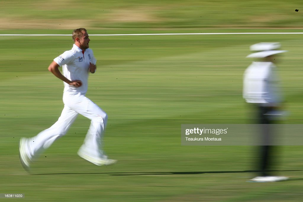 Stuart Broad of England prepares to bowl during day two of the International tour match between the New Zealand XI and England at Queenstown Events Centre on February 28, 2013 in Queenstown, New Zealand.