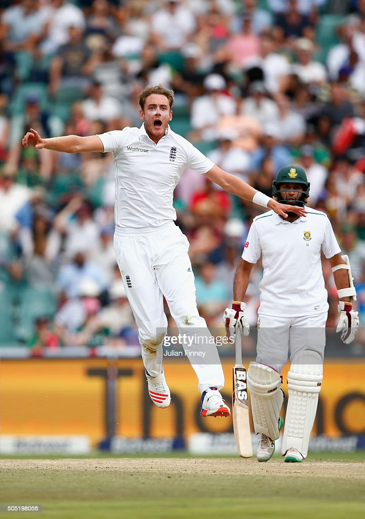 <a gi-track='captionPersonalityLinkClicked' href=/galleries/search?phrase=Stuart+Broad&family=editorial&specificpeople=574360 ng-click='$event.stopPropagation()'>Stuart Broad</a> of England reacts as James Anderson of England nearly catches out Stiaan Van Zyl of South Africa during day three of the 3rd Test at Wanderers Stadium on January 16, 2016 in Johannesburg, South Africa.