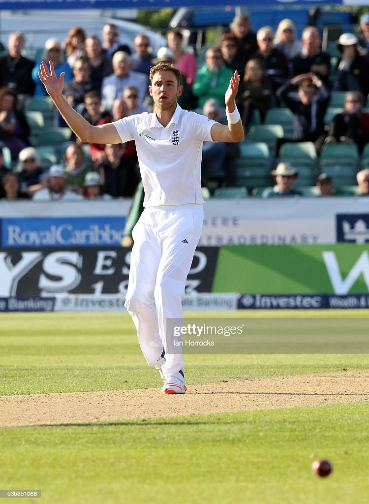 <a gi-track='captionPersonalityLinkClicked' href=/galleries/search?phrase=Stuart+Broad&family=editorial&specificpeople=574360 ng-click='$event.stopPropagation()'>Stuart Broad</a> of England rues a missed chance during day three of the 2nd Investec Test match between England and Sri Lanka at Emirates Durham ICG on May 29, 2016 in Chester-le-Street, United Kingdom.