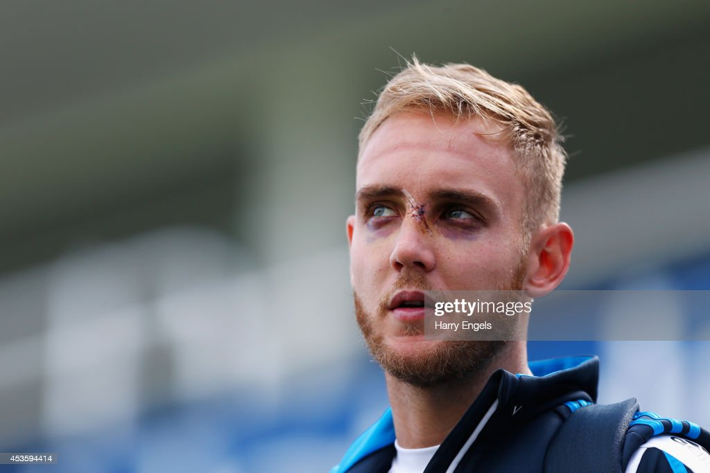<a gi-track='captionPersonalityLinkClicked' href=/galleries/search?phrase=Stuart+Broad&family=editorial&specificpeople=574360 ng-click='$event.stopPropagation()'>Stuart Broad</a> of England talks to members of the media during an England Nets Session at The Kia Oval on August 14, 2014 in London, England.
