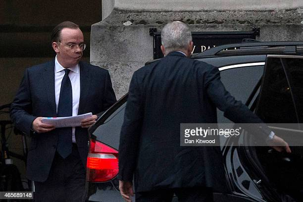 Stuart Gulliver the chief executive of HSBC leaves the Palace of Westminster after a Public Accounts committee hearing on March 9 2015 in London...