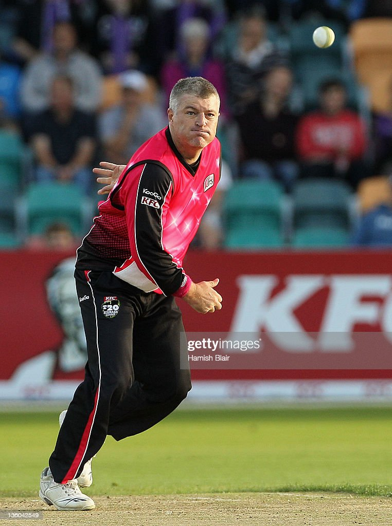 Big Bash League - Hurricanes v Sixers
