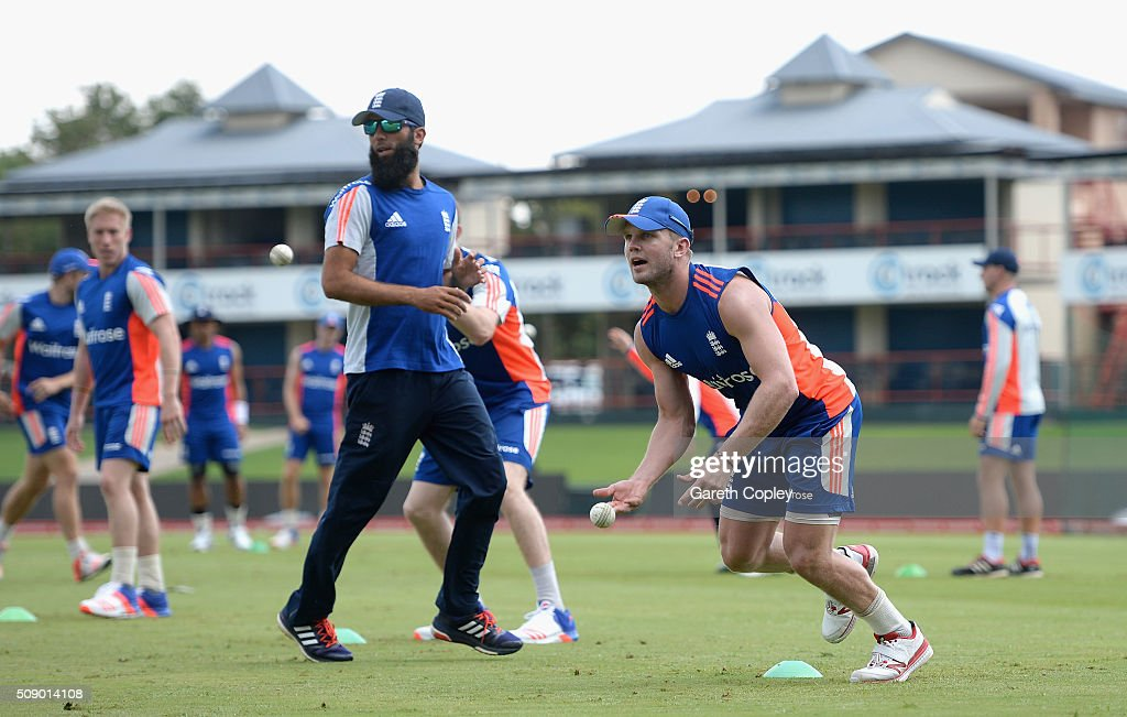 <a gi-track='captionPersonalityLinkClicked' href=/galleries/search?phrase=Stuart+Meaker&family=editorial&specificpeople=4444588 ng-click='$event.stopPropagation()'>Stuart Meaker</a> of England during a nets session at Supersport Park on February 8, 2016 in Centurion, South Africa.