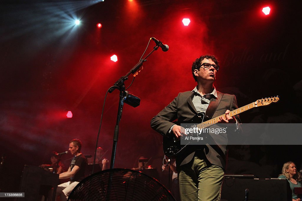<a gi-track='captionPersonalityLinkClicked' href=/galleries/search?phrase=Stuart+Murdoch&family=editorial&specificpeople=550306 ng-click='$event.stopPropagation()'>Stuart Murdoch</a> (L) and Stevie Jackson of Belle And Sebastian invite fans onstage when Belle And Sebastian performs a concert to benefit Celebrate Brooklyn! at Prospect Park Bandshell on July 11, 2013 in the Brooklyn borough New York City.