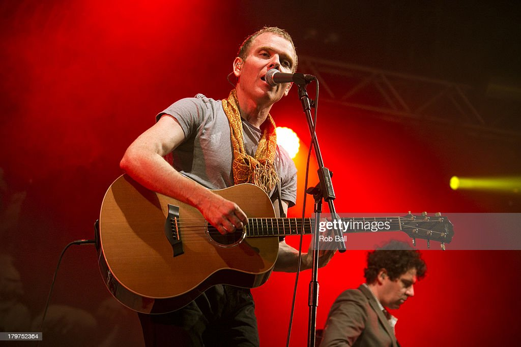 <a gi-track='captionPersonalityLinkClicked' href=/galleries/search?phrase=Stuart+Murdoch&family=editorial&specificpeople=550306 ng-click='$event.stopPropagation()'>Stuart Murdoch</a> from Belle and Sebastian performs at Day 2 of Bestival at Robin Hill Country Park on September 6, 2013 in Newport, Isle of Wight.