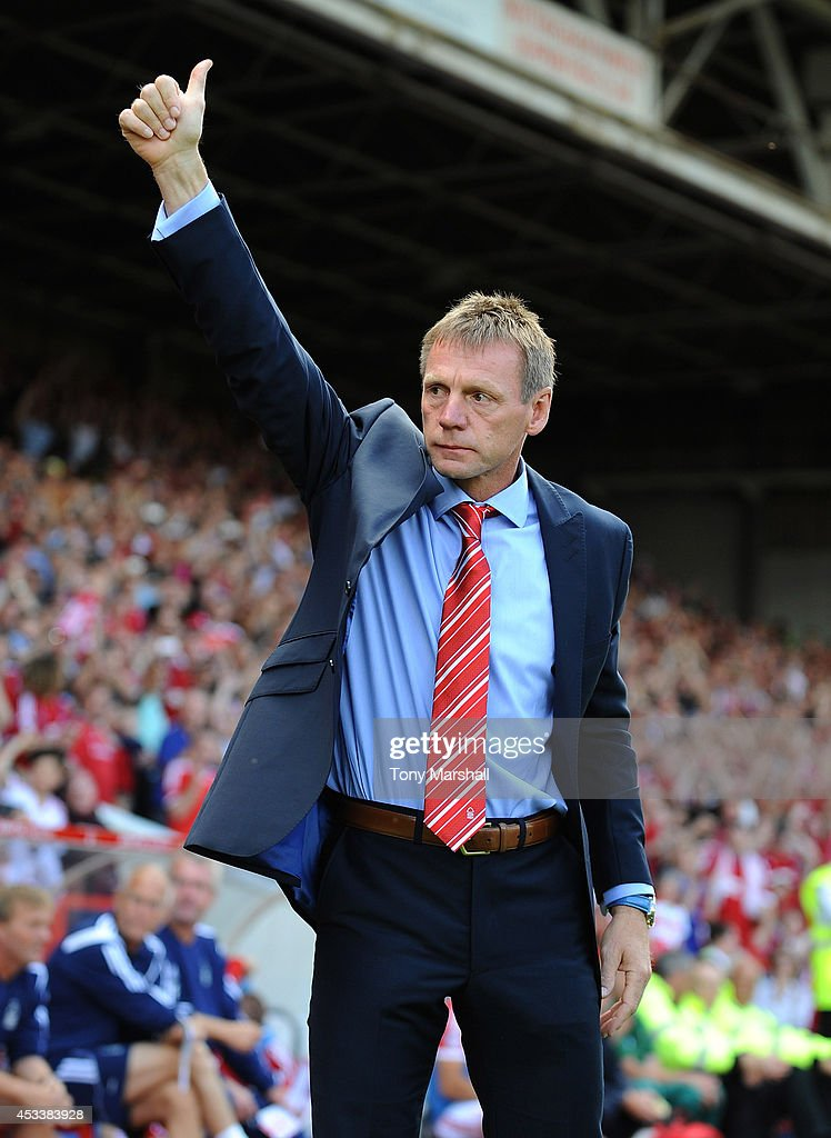 Stuart Pearce, manager of Nottingham Forest salutes the fans during the Sky Bet Championship match between Nottingham Forest and Blackpool at City Ground on August 9, 2014 in Nottingham, England.