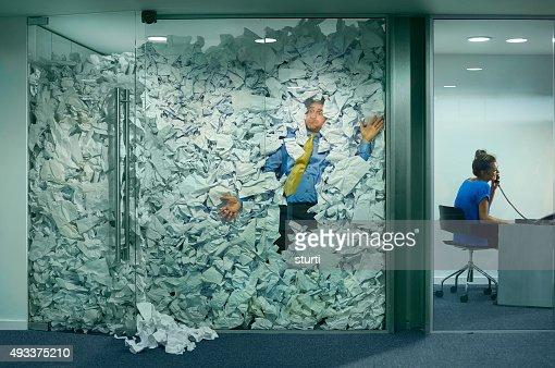 オフィスに閉じ込められました。