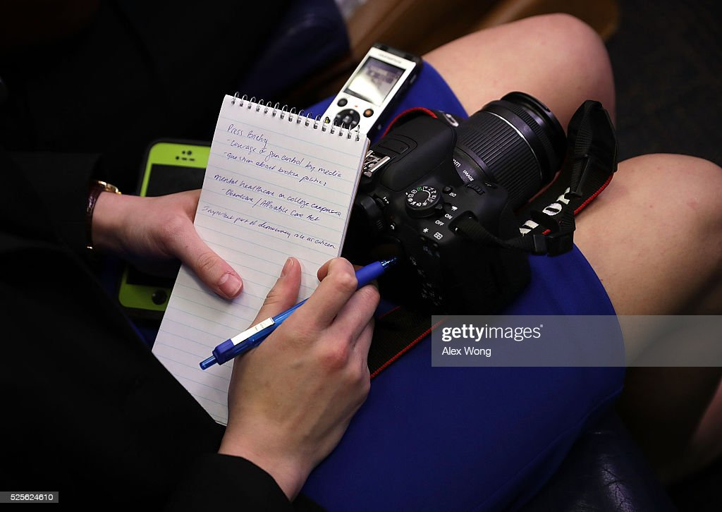 A student journalist takes notes as U.S. President Barack Obama holds a 'daily briefing' at the James Brady Press Briefing Room of the White House April 28, 2016 in Washington, DC. College student journalists were participating in the first College Reporter Day, an opportunity to discuss issues of importance to college campuses with administration officials.