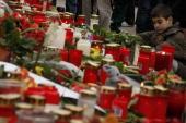 A student mourns in front of the AlbertvilleSchool Centre on March 12 2009 in Winnenden near Stuttgart Germany 17 year old Tim Kretschmer opened fire...