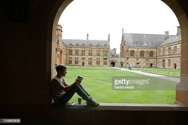 A student reading at Sydney University 4 March 2009