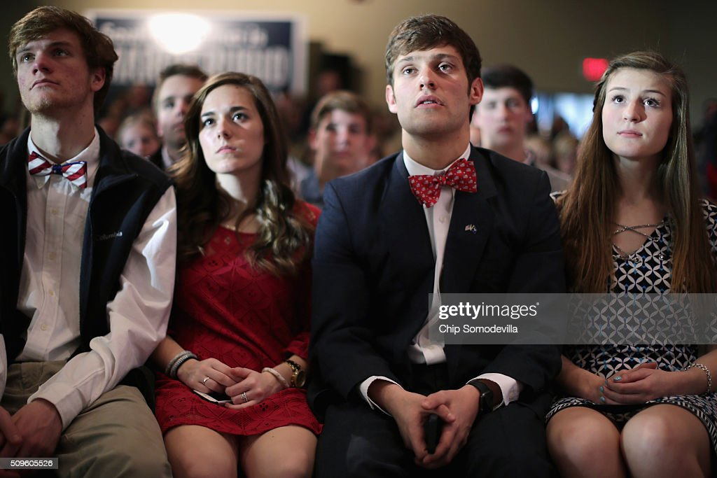Students and their family members and guests listen to Republican presidential candidate Sen. Marco Rubio (R-FL) during a campaign town hall meeting at the school February 11, 2016 in Simpsonville, South Carolina. Earlier in the week Rubio placed fifth in the New Hampshire primary, behind fellow GOP candidates Jeb Bush, John Kasich, Sen. Ted Cruz (R-TX) and Donald Trump, who won with 35 percent of the vote.