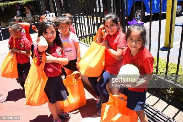 Students at Para Los Ninos attend Feeding America's Summer Hunger Awareness event At Para Los Ninos in Los Angeles on June 27 2017 in Los Angeles...