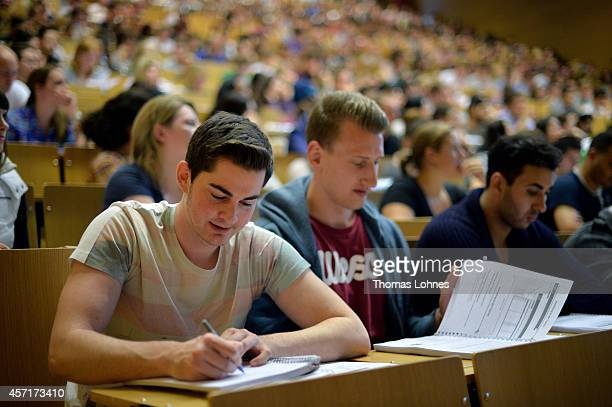 Students follow a commercial information technology in a lecture hall of the Johann Wolfang GoetheUniversity on October 13 2014 in Frankfurt am Main...