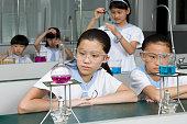 Studenten, die eine science-Unterricht