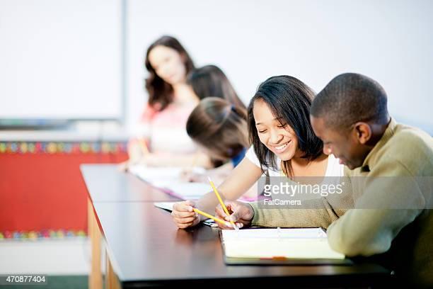 Étudiants dans une salle de classe