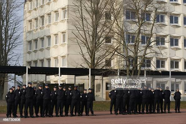 Police officiers stock photos and pictures getty images for La chambre des officiers