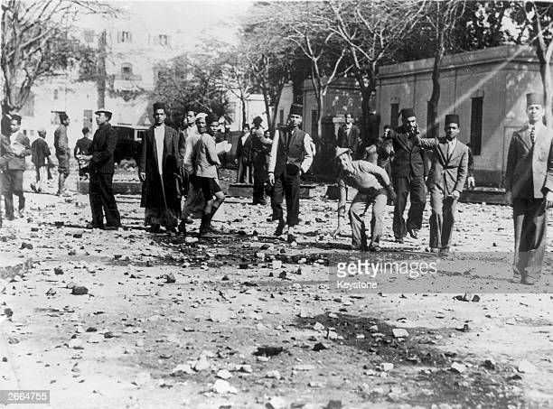 Students of the DarelCuloum in Cairo throwing stones at the police They are supporters of the Wafd who are extreme nationalists