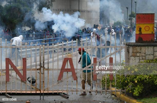 Students of the National Autonomous University of Honduras gathered under the University Student Movement clash with the riot police who try to...