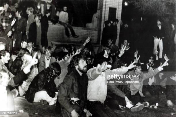 1970 Students from Kent State University Ohio protesting on the campus against the Vietnam War and National Guardsman Four students were shot dead in...