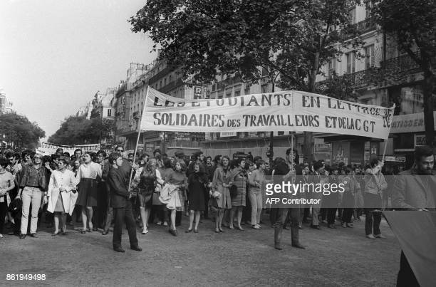 Students take part to a big demonstration called by the CGT union in Paris 29 May 1968 during the May 1968 movement and general strike Des étudiants...