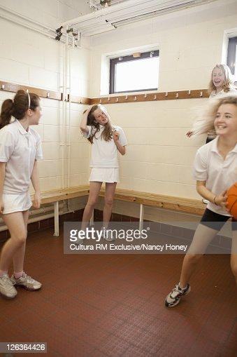 girls school locker rooms porn galleries pictures