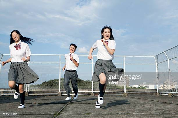 3 students who run