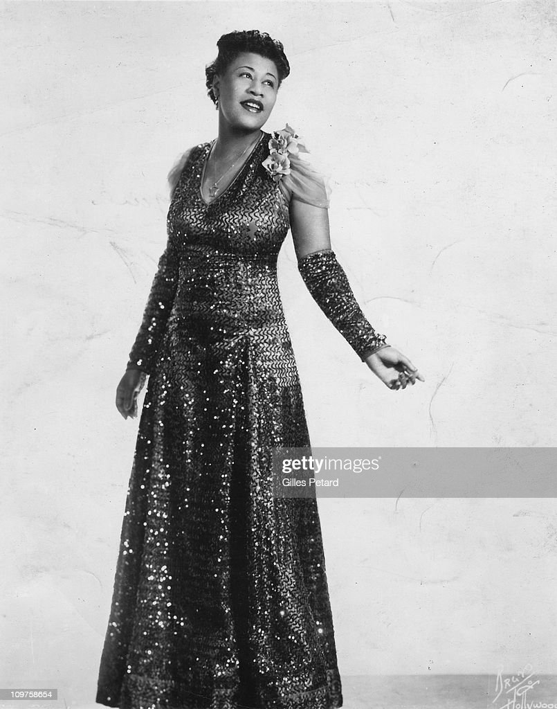 A studio portrait of <a gi-track='captionPersonalityLinkClicked' href=/galleries/search?phrase=Ella+Fitzgerald&family=editorial&specificpeople=90780 ng-click='$event.stopPropagation()'>Ella Fitzgerald</a> in 1940 in the United States. (Photo by Gilles Petard/Redferns