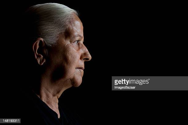 Studio Porträt von senior Frau
