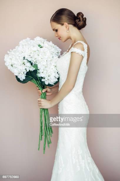 Studioaufnahme der junge schöne Braut