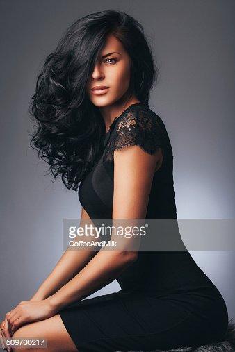 Black Hair Fotografías e imágenes de stock | Getty Images