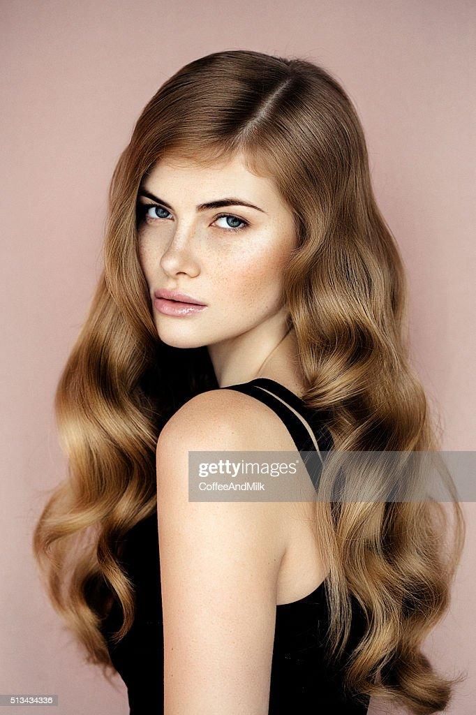 Studioshot di giovane bella donna : Foto stock