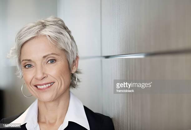 Atemberaubende Reife Geschäftsfrau