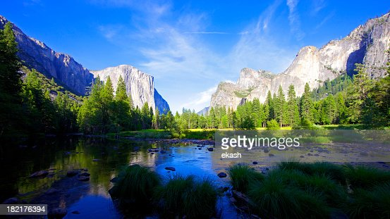 A stunning view of the Yosemite National park on a sunny day
