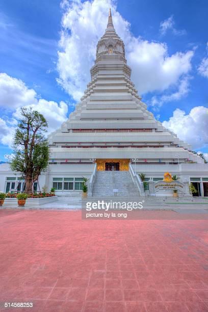 Stupa Wat Paknam Bhasicharoen